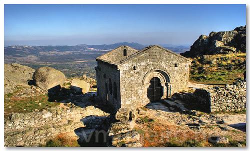 Ruínas da capela de S. Migue by VRfoto