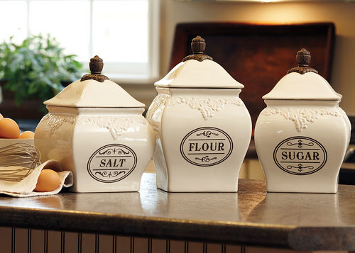 Ad Image_FW09_canisters