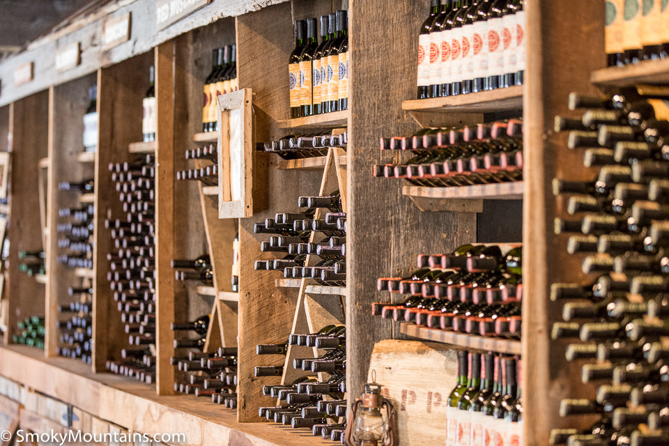 Wine Cellars - Tentang Kolam Kandang Ternak
