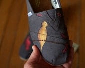 Birds and Falling Feathers Custom TOMS Shoes - shandke