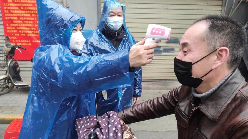 Một trạm đo thân nhiệt người dân ở Vũ Hán, tỉnh Hồ Bắc, Trung Quốc, ngày 01/02/2020.