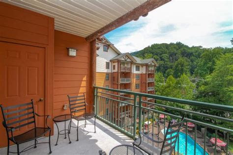 baskins creek condominiums  smoky mountains  calling