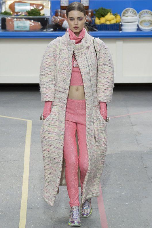 photo la-modella-mafia-Chanel-Fall-2014-runway-8_zpsb3b6c7aa.jpg