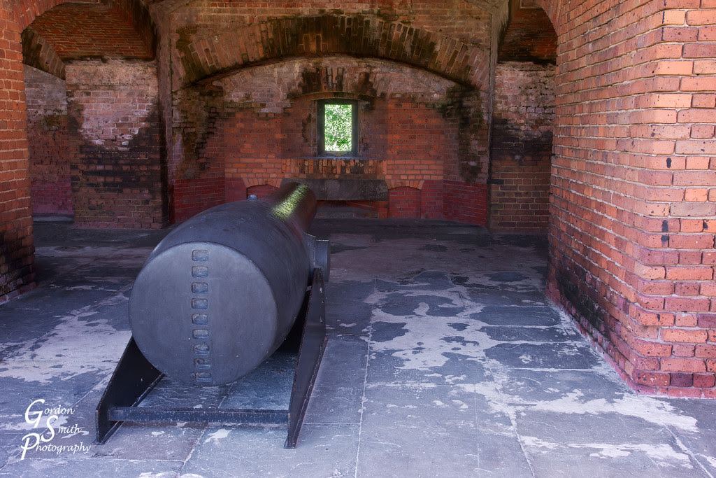 cannon in fort zachary taylor