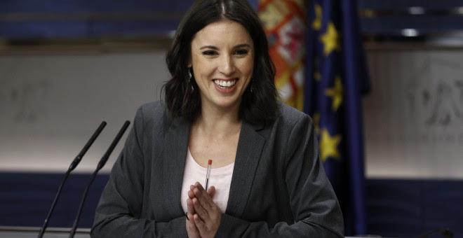 La portavoz de Podemos en el Congreso, Irene Montero, durante la rueda de prensa ofrecida tras la reunión de la Junta de Portavoces en el Congreso de los Diputados. EFE/Emilio Naranjo
