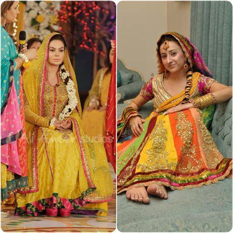 Mehendi Dresses For Asian Brides 2016 2017   Stylo Planet
