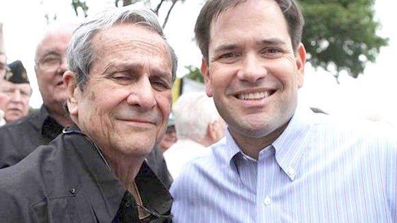 Con el terrorista y ex oficial CIA Félix Rodríguez