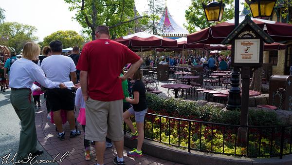 Disneyland Resort, Disneyland, Frozen, Meet and Greet, Line, Queue