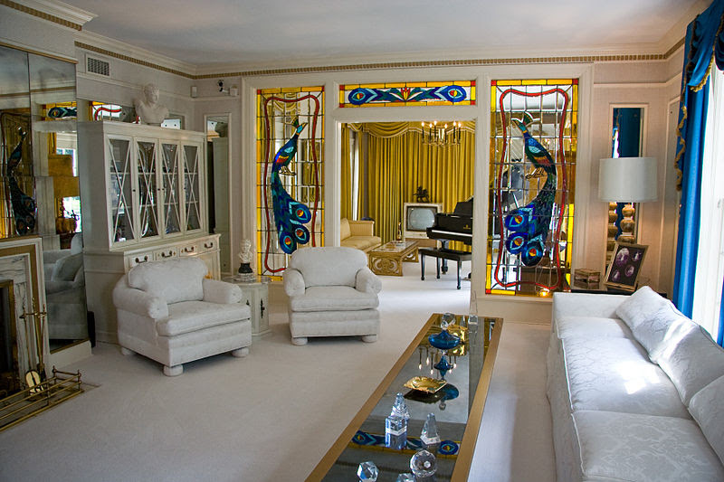 File:Graceland living room 1.jpg