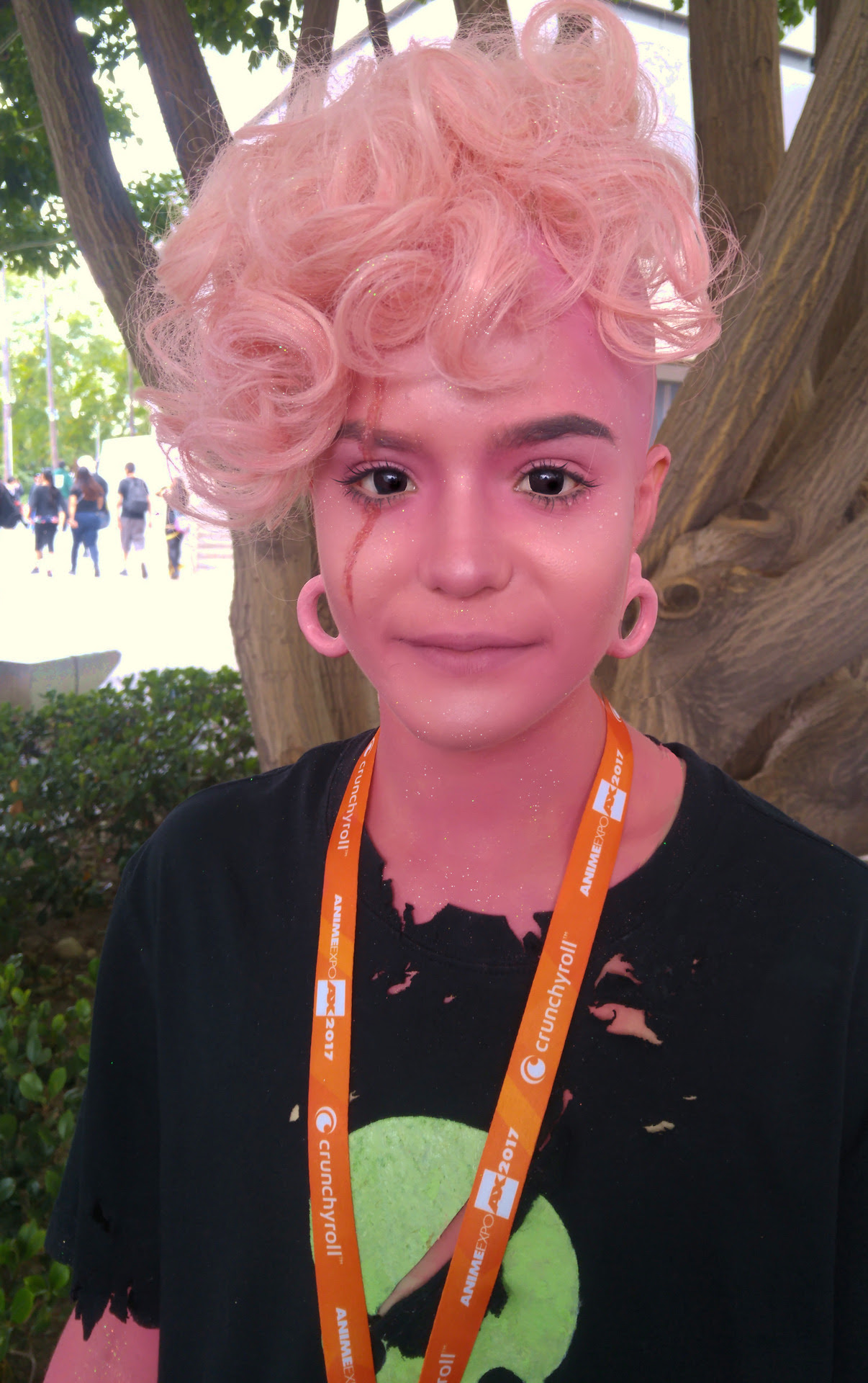 First set of Anime Expo pictures! Pink Lars was so hard to wash off, I think I still have some pink on my elbows.. More pictures with Sadie coming soon!