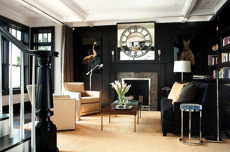 Suzie: LDA Arkitekter - glänsande svart inbyggda ins och lister, svart sammet soffa, elfenben accent ...