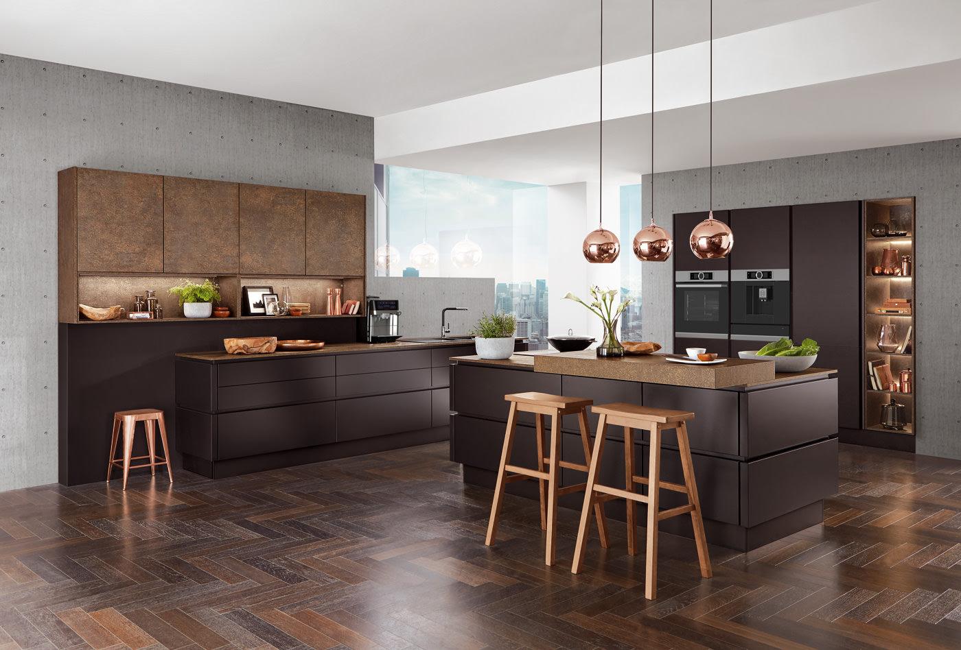 Schwarze Küche Graue Wand Mit Schwarzer Arbeitsplatte ...