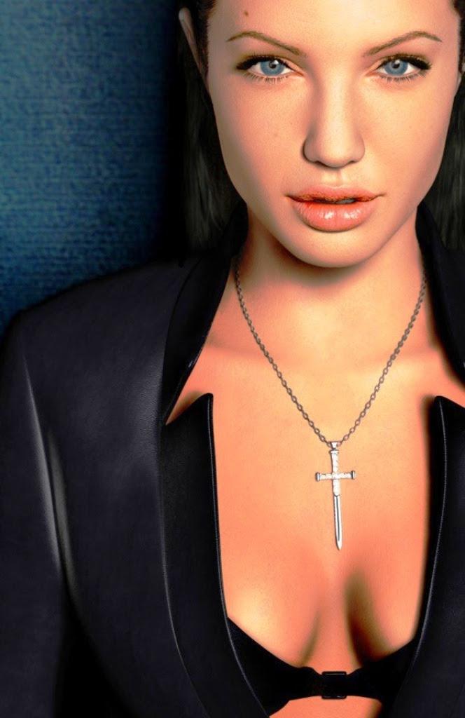 Angelina Jolie clevage
