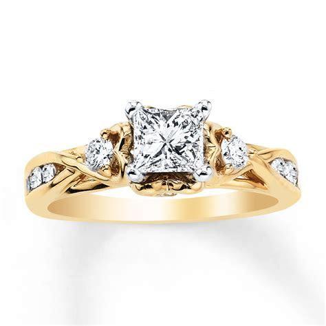 Diamond Engagement Ring 1 ct tw Princess cut 14K Yellow