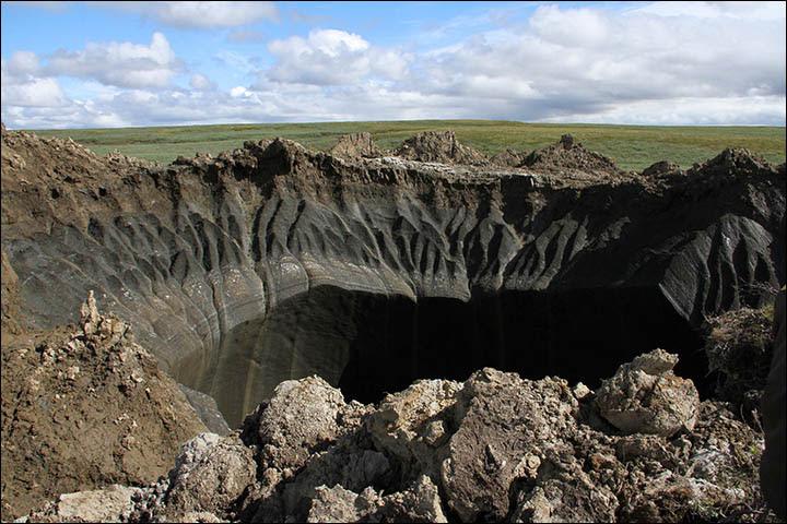 Crater near Bovanenkovo gas field