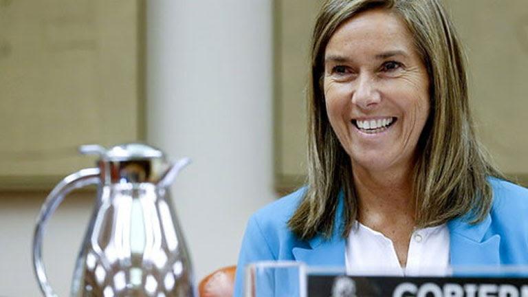 Ana Mato asegura que el Gobierno busca fórmulas para compatibilizar la ley antitabaco con Eurovegas