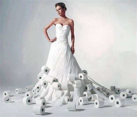Kurios: Das Einweg Hochzeitskleid   In Love