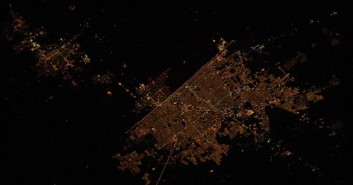 Visible Suns U S Mexico Border At Night From Space