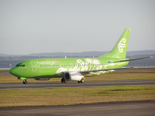 Air New Zealand Holidays lime-green Boeing B737