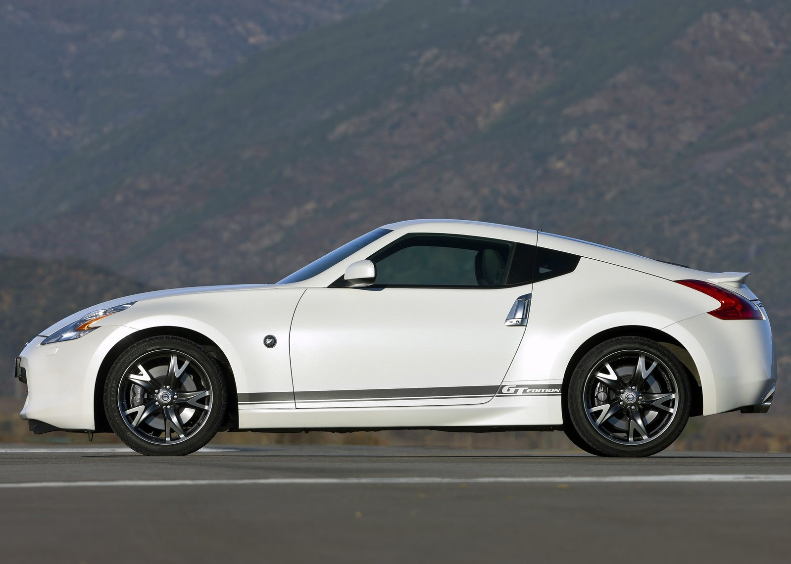 Sports Cars Under 15k >> Sport Car Gallery Best Sports Car Of The Year At The