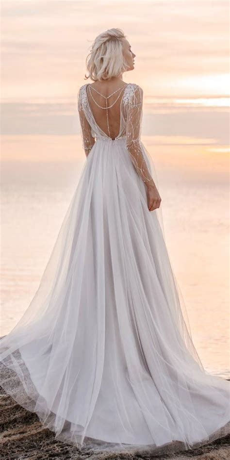 21 Most Wanted White Elegant Gowns   Wedding Dresses Guide
