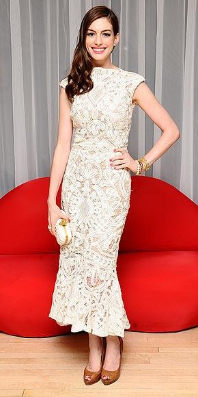 MODERN ROMANCE photo | Anne Hathaway