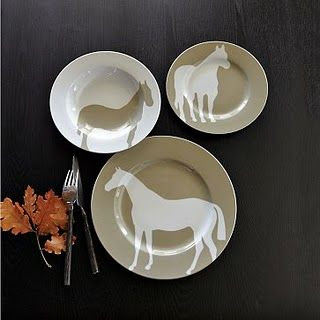 horse-theme-equestrian-beautiful-accent-plates-design-idea-kitchen-dining-room-horsin2527aroundplates.jpg (320×320)
