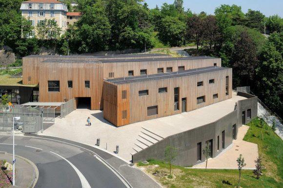 Многофункциональный центр во Франции