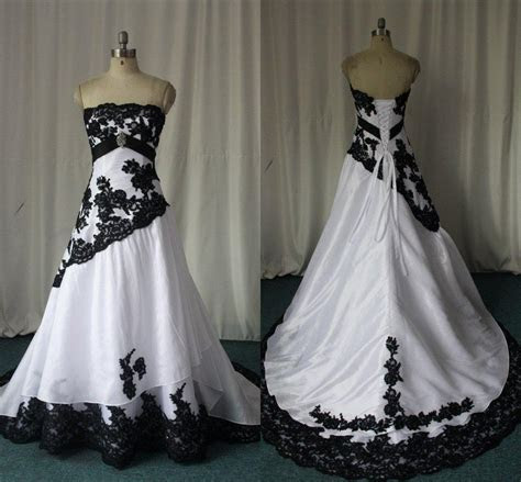 Discount Black And White Gothic Wedding Dresses Real