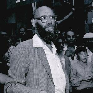 Em foto de 1985, o rabino  Moshe Levinger, fundador do movimento que iniciou os assentamentos de colonos judeus na Cisjordânia na década de 70, que morreu neste sábado aos 80 anos