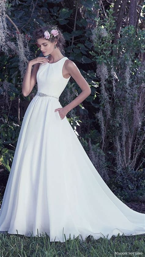 30 Effortlessly Chic Wedding Dresses With Pockets