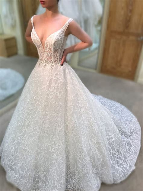 What to Expect From Enzoani 2019 Wedding Dress Collection