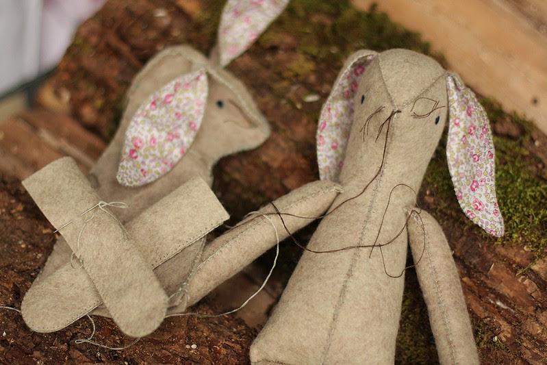 KCCO - Easter bunnies