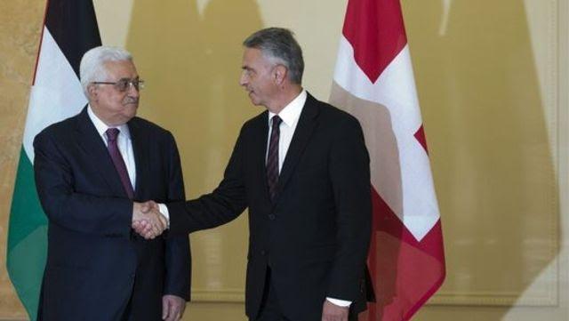 Mahmoud Abbas et Didier Burkhalter, lors d'une visite du dirigeant palestinien en Suisse en novembre 2012.