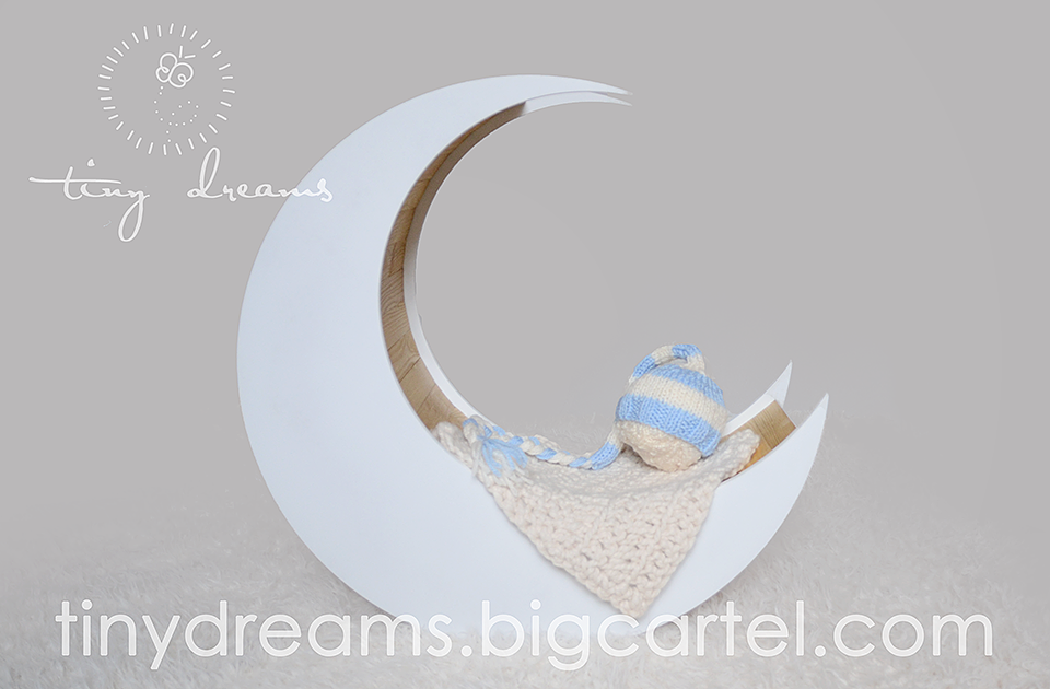 Wooden Moon Newborn Photography Prop UK