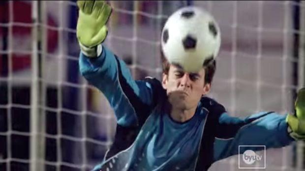 Arquero tapa 5 penales con la cara (+Video)