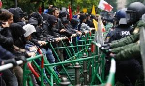 Francoforte, sfila la protesta di Blockupy. Bloccate le strade di accesso alla Bce