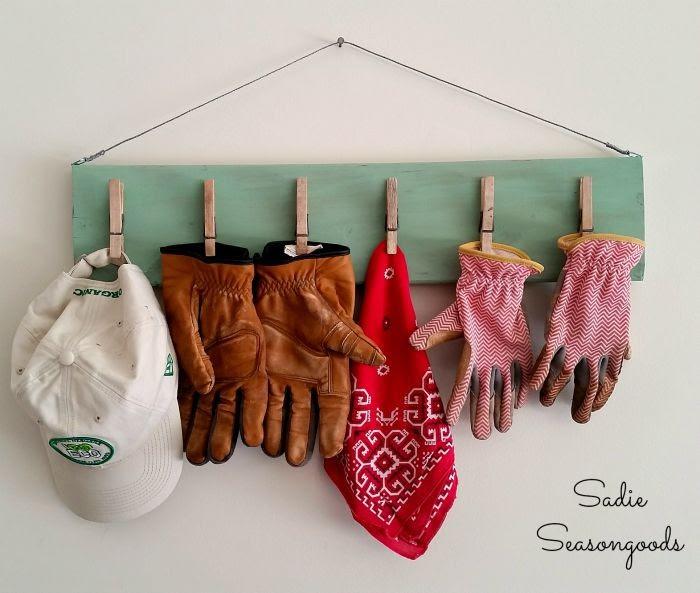 gloves holder