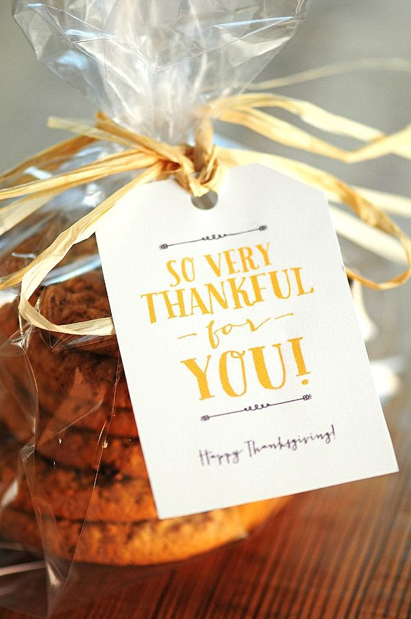 Free Thanksgiving Gift Tags & Note Card Printables for sharing Thanksgiving Goodies