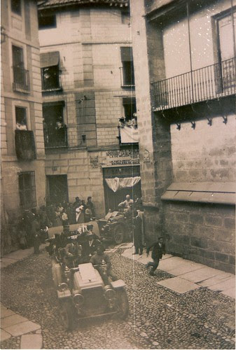 Alfonso XIII camino de Arco de Palacio