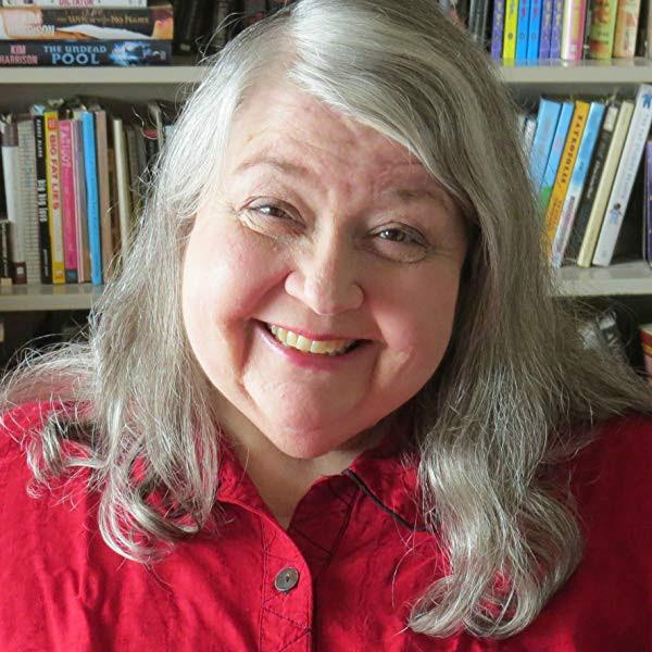 Headshot for author Lynne Murray.