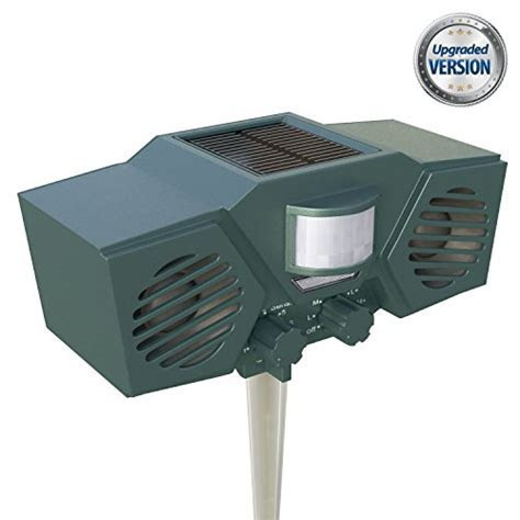 PestZilla Robust Solar Powered Ultrasonic and Flashing LED lights Outdoor Animal & Pest Repeller