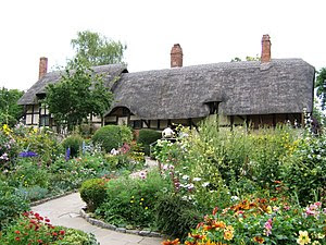 Anne Hathaways Cottage and gardens 15g2006.jpg
