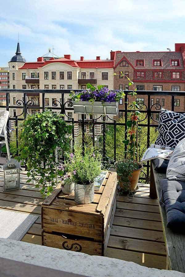 Small-Balcony-Garden-ideas-5