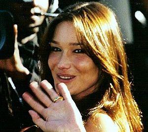 Français : Carla Bruni au festival de Cannes 1999