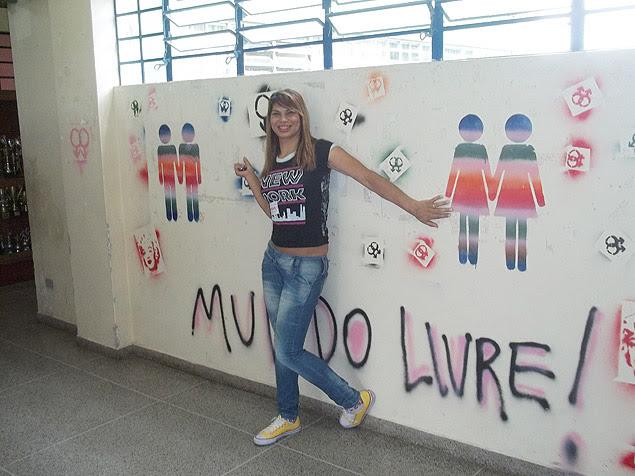 A transexual Laysa Machado, que dirige colégio desde 2009