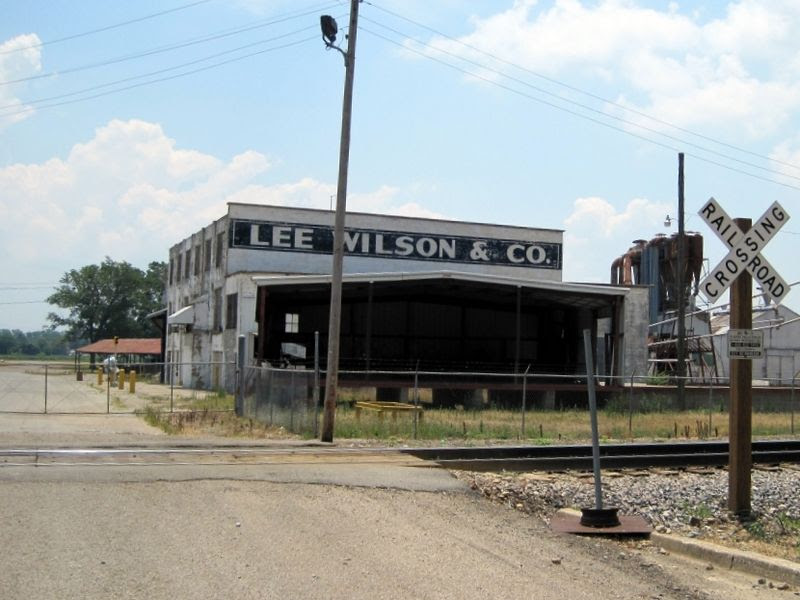 File:Wilson AR 03 Lee Wilson and Co abandoned.jpg