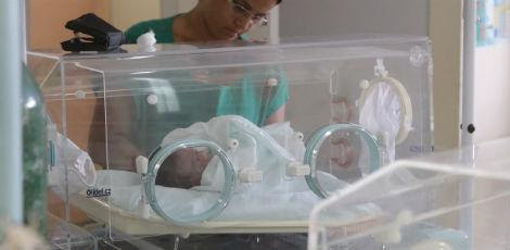 As três crianças que estavam internadas e seriam transferidas vão permanecer no Procape / Foto: Sérgio Bernardo/JC Imagem