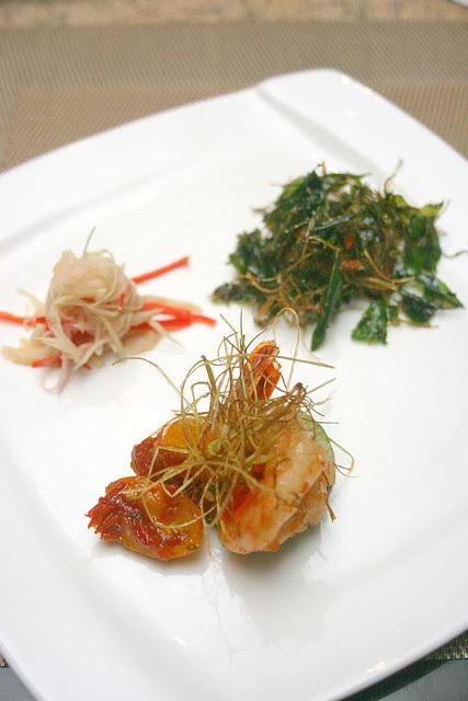 Mixed Entrees: Udang Blado Padang, Ayam Tangkap Aceh with Selada Mangga
