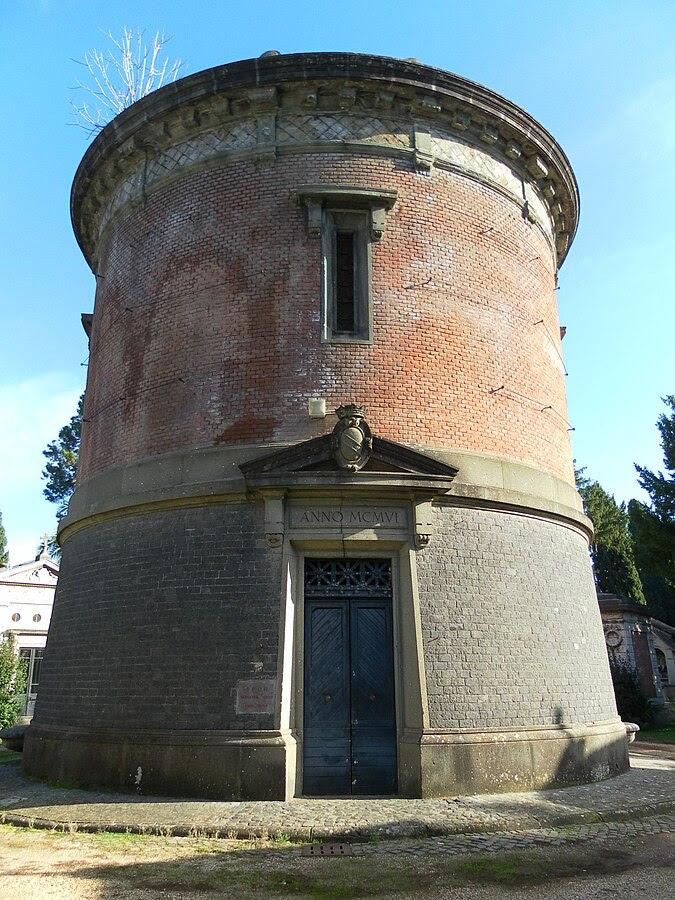 File:Roma cimitero Verano serbatoio idrico.jpg